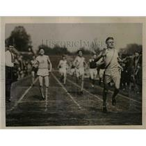 1922 Press Photo Georgetown's Kinnelly wins 440 yard run vs Driscoll - net19457