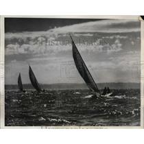 1932 Press Photo R sloops race at Seattle Washington on Puget Sound - net21930