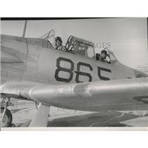 1952 Press Photo Scouting Squadron 901 skipper Kt Cmdr Ray Koep & Sherman Blake