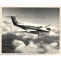 1987 Press Photo Airplane Beechcraft Super King Air 300 - spa33081
