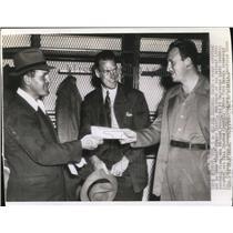 """1942 Press Photo John """"Bull"""" Karcis, Lloyd Cardwell, Bill Calihan, Detroit Lions"""