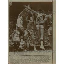 1968 Press Photo Lenny Wilkins of Hawks vs Warrioprs Bob Warlick, Bill Turner