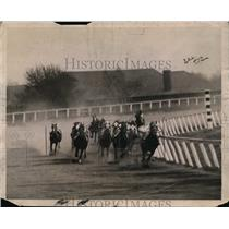 1922 Press Photo Jamaica races in NY Mollie Barnes threw rider Slaughter
