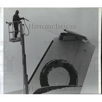 1992 Press Photo Winter scenes, De-icing chemicals on the tail of a plane