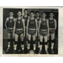 1944 Press Photo Players on the New London Wis. High School Basketball Squad..
