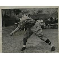 1935 Press Photo W. La Master reported last week to the Brewers. - mjs03816