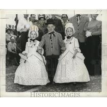 "1957 Press Photo New Orleans Mardi Gras kids in ""old"" costumes - noca00102"