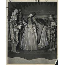1950 Press Photo Carnival Ball -Her Majesty greets two of her subjects.