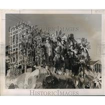 1956 Press Photo Babylon Maskers on Float, Mardi Gras, New Orleans - noca01659