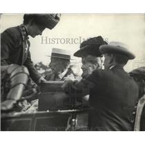 1912 Press Photo Mr. & Mrs. John Rockefeller leaving Cleveland for N.Y.C.