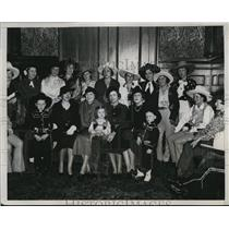 1934 Press Photo Rodeo Cowgirls at Luncheon by Mrs. William Randolph hotel Astor