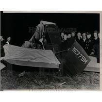 1938 Press Photo Luther Martin Plane Wreckage, Lisle, Illinois - nef27076