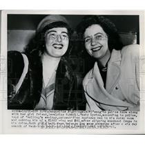 "1921 Press Jacqueline Nightingale ""Sang"" to Police With Friend Geraldine Cobb"