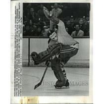 1970 Press Photo Phillips Myre of Canadiens vs Penguins at game in Montreal