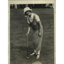 1922 Press Photo Lillian Atherton at a golf course - net28824