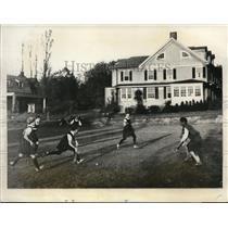 1928 Press Photo NYU girls field hockey tean vs M Shafer of Beaver College