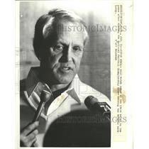 1982 Press Photo 49ers coach Bill Walsh talks after Nat'l Football Championship