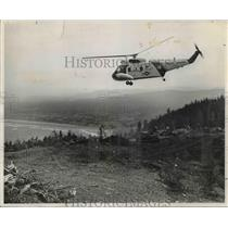 1972 Press Photo Coast Guard helicopter hovers over future helipad - orb79176