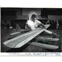 1982 Press Photo Ted Lamb-Oregon Miniature Aircraft Squadron No.1 - orb80612