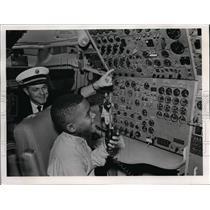 "1968 Press Photo Pan Am's Jet ""Hawaii"" as Dean Jung, second co-pilot explains"