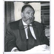 1959 Press Photo Thomas Gomez Suit Tie Sherlock Holmes - RRR65049