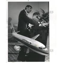 1989 Press Photo United Air lines Major World Aircraft - RRR99425