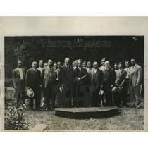 1933 Press Photo New York Giants pitcher Hal Schumacher gets college degree