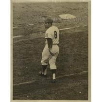 1965 Press Photo New York Mets catcher Yogi Berra coaches at first base