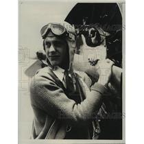 1931 Press Photo Los Angeles youth, Frank Kurtz, a flyer, holds propeller