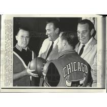 1968 Press Photo Dick Motta-New Chicago Bulls Basketball Coach