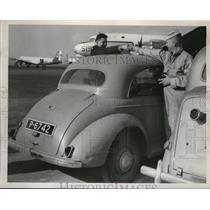 1955 Press Photo Galen Whited, George Allen of Naval Reserve Flight to Bermuda