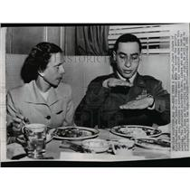 1951 Wire Photo Capt. James Jabara explaining a maneuver during breakfast