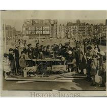 1934 Press Photo Building Soap Box Derby Cars at Roosevelt Playground, Manhattan