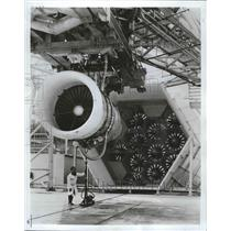 1975 Press Photo General Electric tests CF6 commercial jet engine against fans