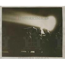 1929 Press Photo Search Lights On at Croydon Aerodrome Watches Through Night