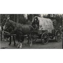 1939 Press Photo Covered wagon - spa40749