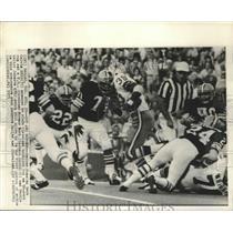 1971 Press Photo Cowboy Calvin Hill vs Browns Clarence Scott, Walter Johnson