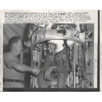 1957 Press Photo Air Force Capt Kittingeer Holder Manned Balloon Altitude Record