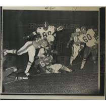 1967 Press Photo New Orleans Saints - Dolphins' Abner Haynes dives for a gain.