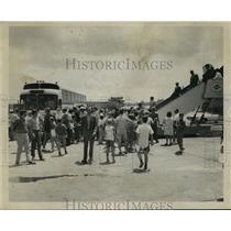 1970 Press Photo New Orleans Saints - Fans Welcome Saints Home at Airport