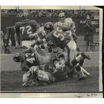 1969 Press Photo New Orleans Saints-Bill Kilmer finds himself at bottom of heap.