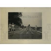 1919 Press Photo Lt Earl Renick wins 220 yard race for U of Missouri - net34117
