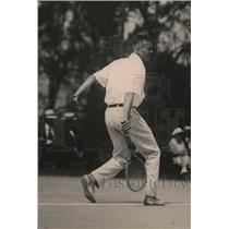 1920 Press Photo Tennis player Roland Roberts in action - net30594