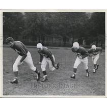 1940 Press Photo Philadelphia Eagles football players - orc04398