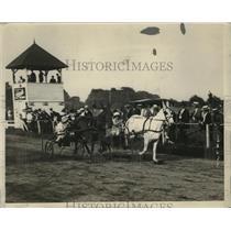 1922 Press Photo Mrs J Griswold Webb champion mule driver vs M Miller in NY