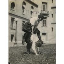 1920 Press Photo Anna Hayden & Lucille Lee play on lawn in Washington DC