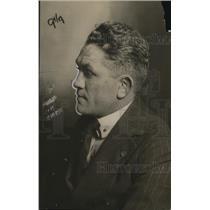 1919 Press Photo Boxer Johnny Kilbane at training at a camp - net30478
