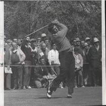 1975 Press Photo Former 49ers football player, John Brodie, plays golf