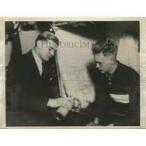 1929 Press Photo George Hoffman & Jimmy Walthour Talk Things Over Between Sprint