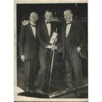 1929 Press Photo Jake Schaefer Presented Check as Token of His Winning Balkline
